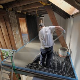 Pouring screed - EMSEC group